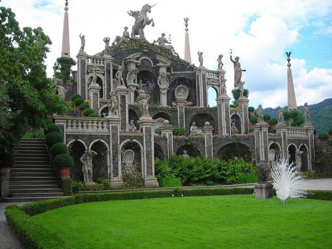 Замок Изола-Белла
