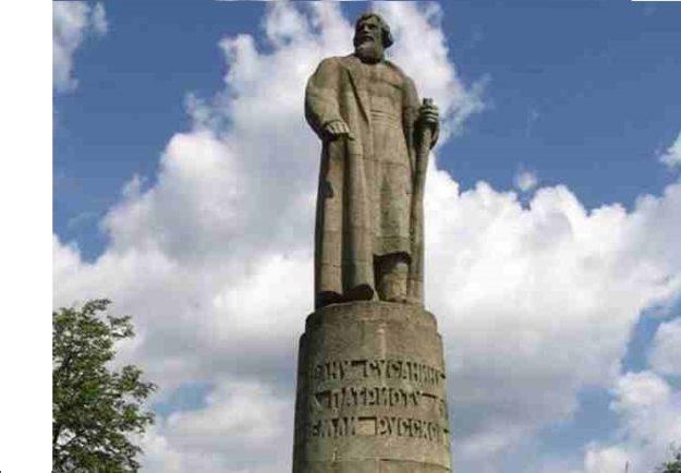 Кострома Памятник Ивану Сусанину