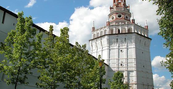 стены и башни Лавры
