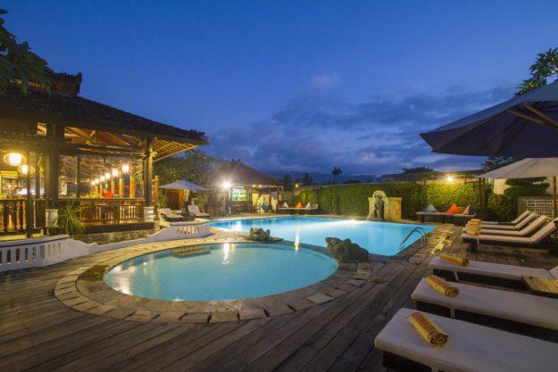 Бали курорт Ловина