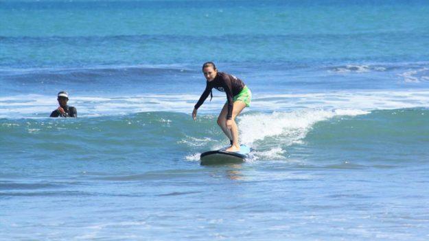 Бали обучение серфингу в русской серф-школе