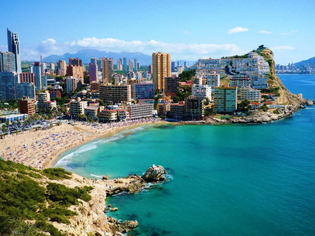 На отдых в Испанию