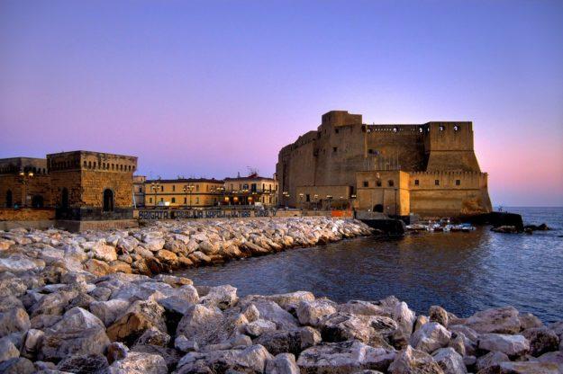 Неаполь Замок Кастель-дель-Ово