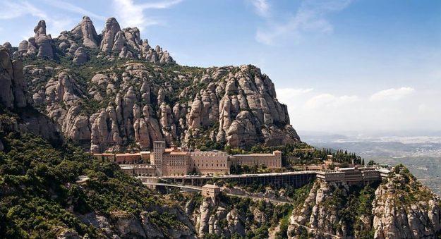 Барселона гора Монтсеррат, монастырь