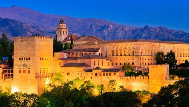 Испания дворец Альгамбра