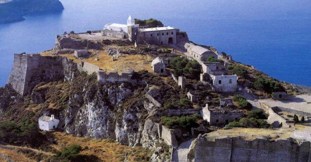 На острове Скиатос
