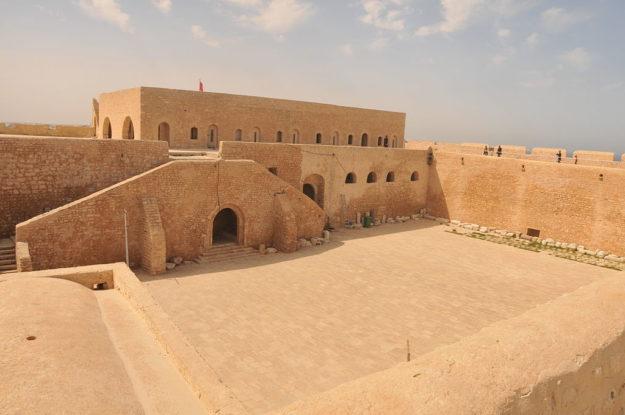Махдия Турецкая крепость Бордж-эль-Кебир