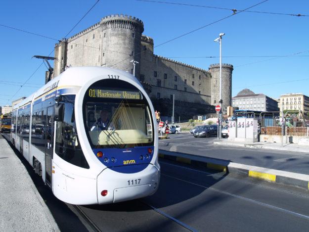 Неаполь трамвай